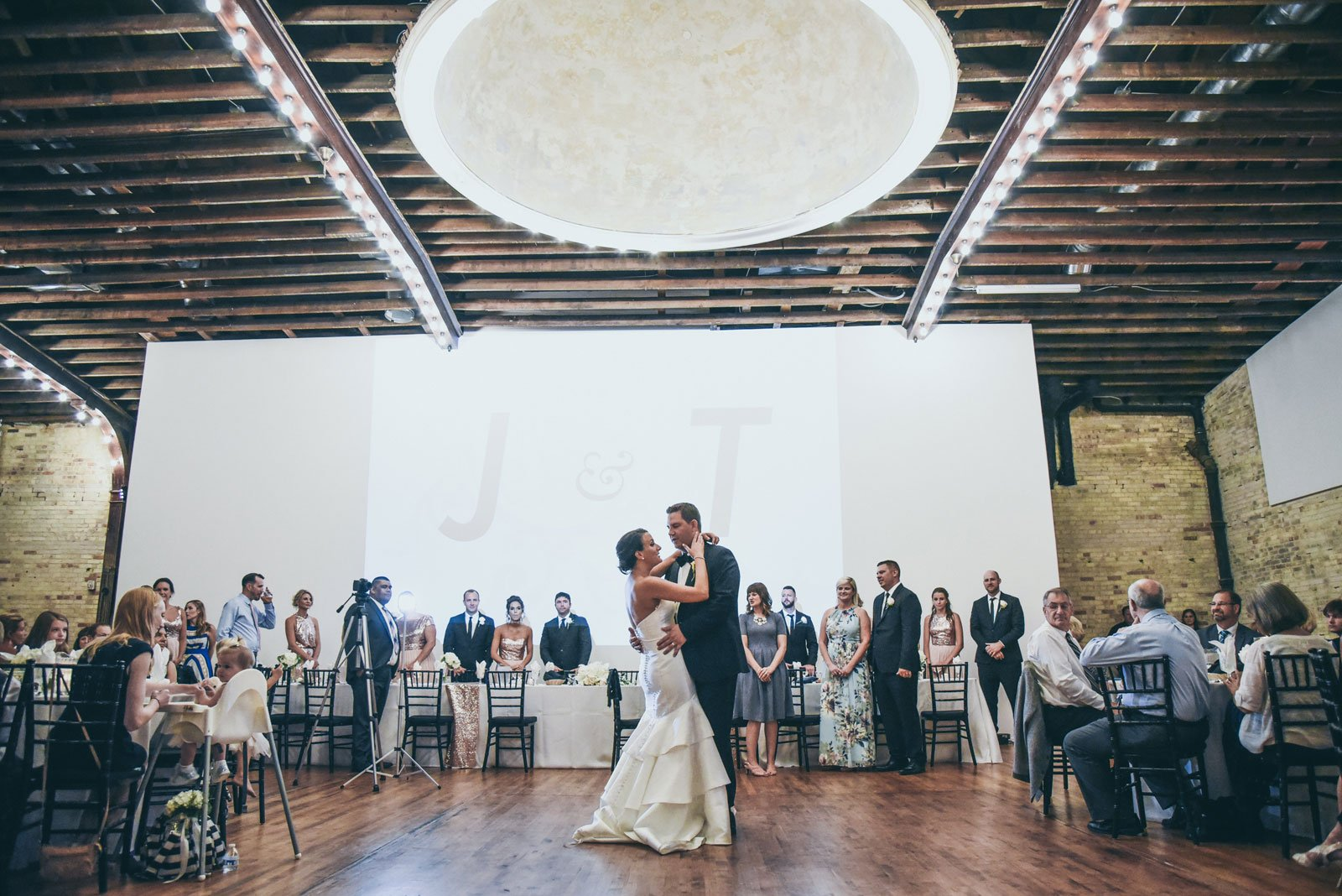 First-Dance-at-a-wedding-in-the-Harris-Building